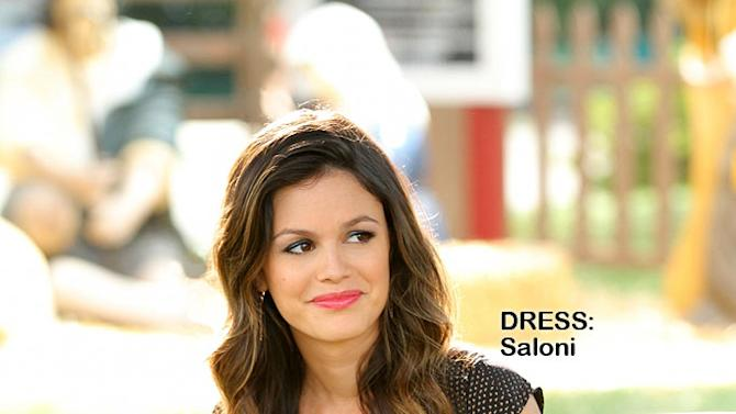 "Rachel Bilson as Dr. Zoe Hart in the Season 1 episode ""Hairdos and Holidays."" Hart of Dixie"