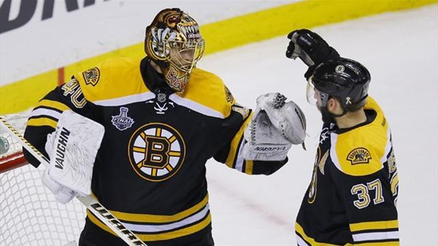 Ice Hockey - Rask shuts out Chicago as Bruins take Stanley Cup lead