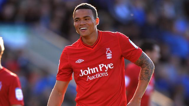 Championship - Forest extend loan of Tottenham's Jenas