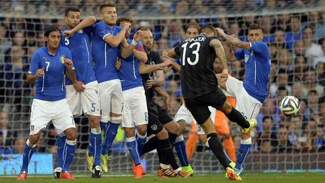 World Cup - Ireland and Italy draw in Craven Cottage friendly