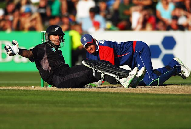 New Zealand v England - 4th ODI