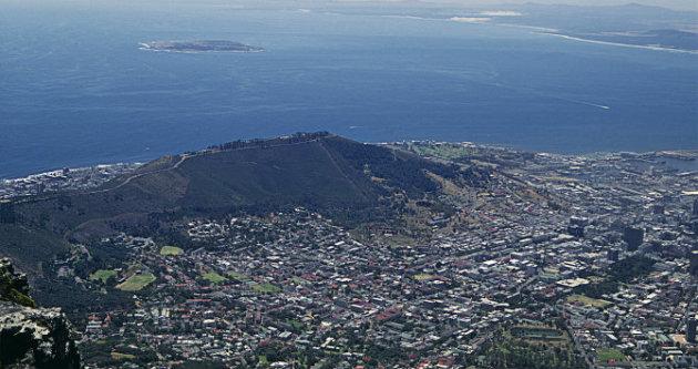 جزيرة روبن، من قمة جبل تيبل - المصدر: ويكيبيديا