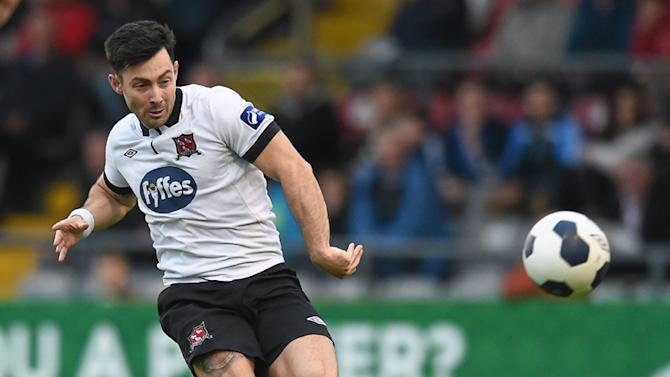 Hughton confirms Brighton interest in Richie Towell