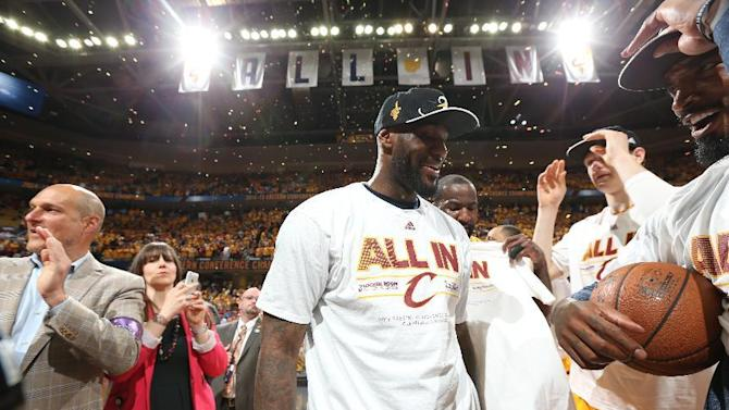 LeBron, Cavaliers earn NBA Finals spot by sweeping Hawks