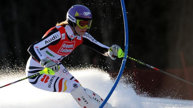 Alpine Skiing - Hoefl-Riesch has broken thumb