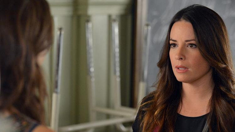 """Pretty Little Liars"" - ""Out of the Frying Pan, into the Inferno"": HOLLY MARIE COMBS"