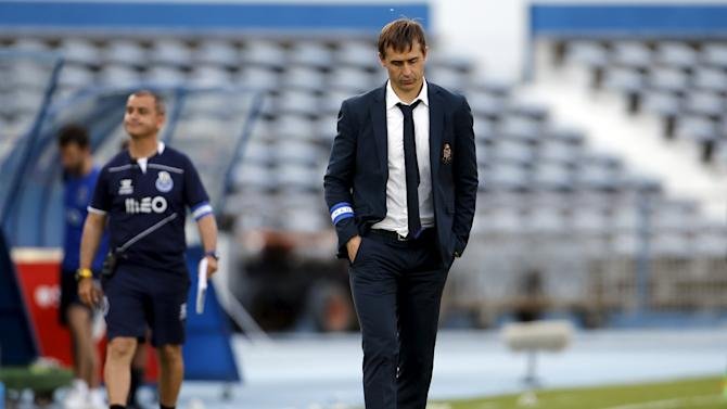Porto's coach Julen Lopetegui leaves the pitch at the end of their Portuguese premier league soccer match against Belenenses at Restelo stadium in Lisbon