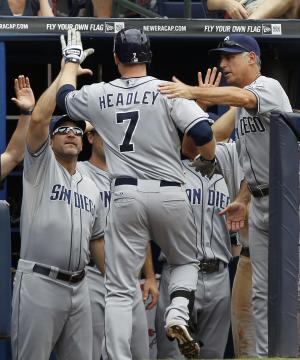 Smith earns 1st career win, Padres beat Braves