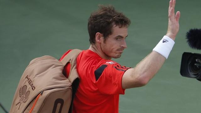 Tennis - Murray seals Tour finals spot, Federer struggling