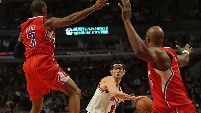 NBA - Paul helps Clippers beat Bulls as streak continues