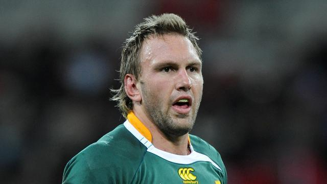 Super Rugby - Springboks lose Bekker to Japan's Kobelco Steelers