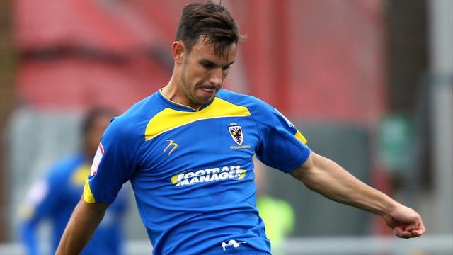 League Two - Gregory joins Gillingham