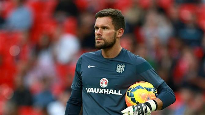 Euro 2016 - Foster leaves England camp after injury