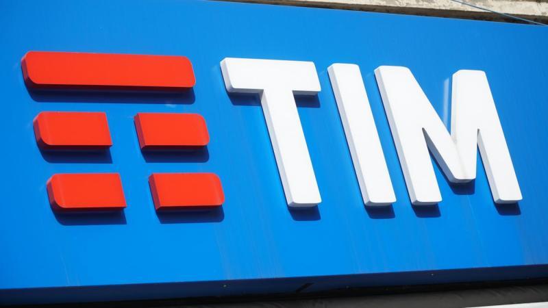 "Tim, Vivendi: ""Investiti 4 mld"". E attacca Elliott: ""Vogliono smantellare gruppo"""