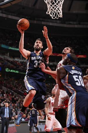 Gasol's double-double helps Grizzlies beat Bulls