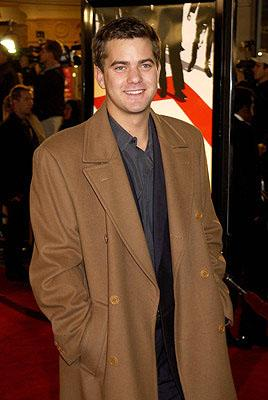 Premiere: Joshua Jackson at the Westwood premiere of Warner Brothers' Ocean's Eleven - 12/5/2001