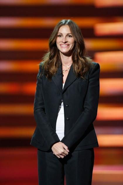Julia Roberts speaks at Stand Up To Cancer at The Shrine Auditorium in Los Angeles on September 7, 2012 -- Getty Premium