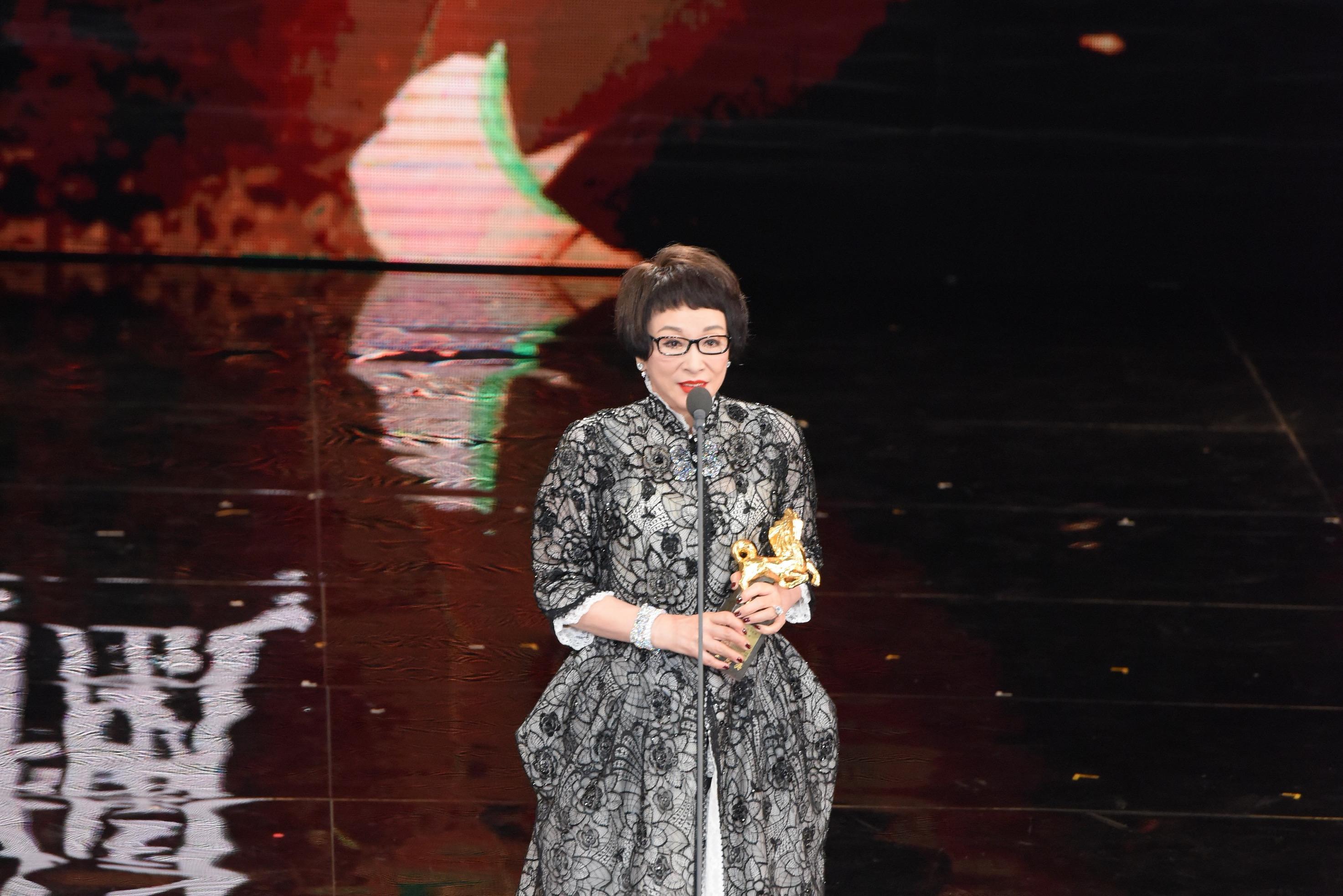 <p>第54屆金馬終身成就獎由「永遠的俠女」徐楓獲獎,她強調,拿到這個獎並不是結束,而是另一個開始,希望大家能為華語電影一起努力。(影像:達志影像提供) </p>