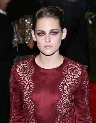 Kristen Stewart 'Convinced She Can't Compete With Katy Perry For Robert Pattinson'