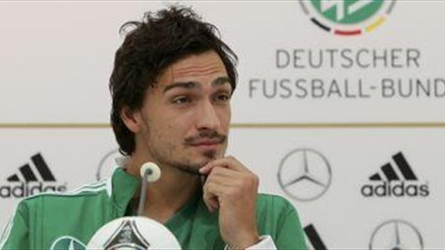 Liga - Reus hopes Hummels stays