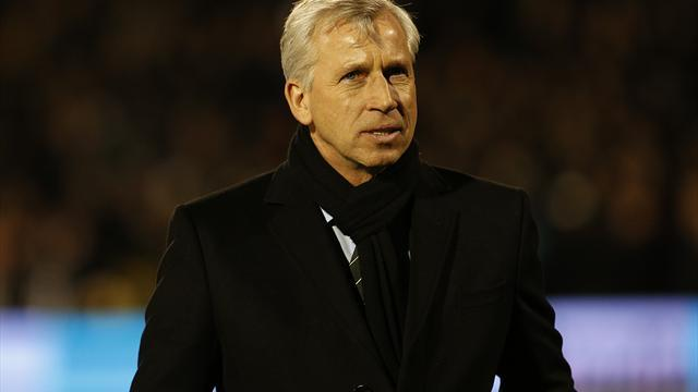 Football - Debuchy signing can lift Toon - Pardew