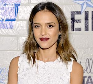"Jessica Alba's ""Fearless"" New Fashion Bob -- Her Hairstylist Dishes!"