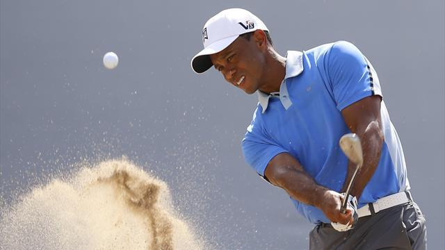 Golf - Woods back in happy Chicago hunting ground
