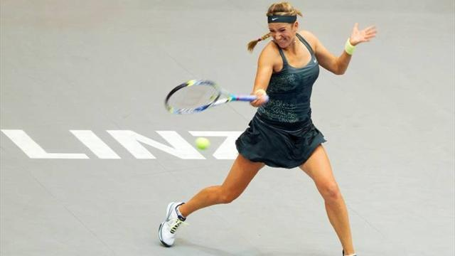 Tennis - Azarenka storms into semis, Ivanovic stunned