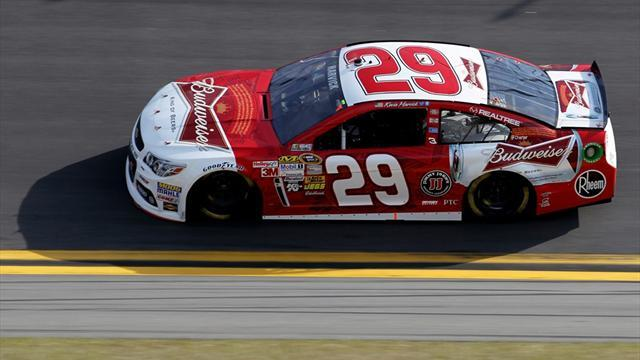 Motorsports - Harvick, Kyle Busch win Daytona qualifying races