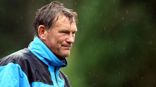 Premier League - Hoddle rules out Spurs return, hits back at Sherwood