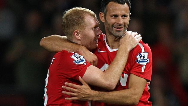 Premier League - Scholes joins Giggs's staff at United