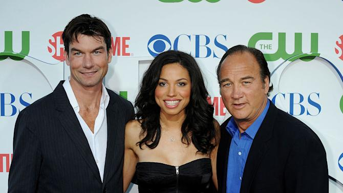 """""""The Defenders'"""" Jerry O'Connell, Jurnee Smollett, and Jim Belushi arrive at the TCA Summer 2010 CBS/The CW/Showtime """"Star Party in the Tent"""" on July 28, 2010 in Beverly Hills, California."""