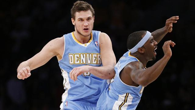 NBA - Nuggets stumble to 15th win in a row