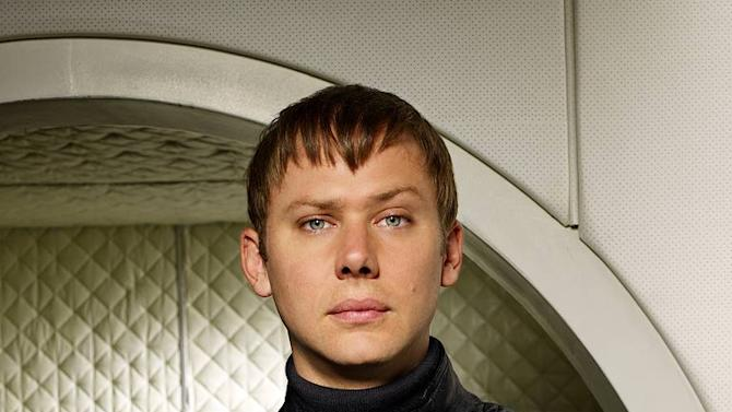 "Jimmi Simpson as Green Eyed Man in ""Virtuality."""