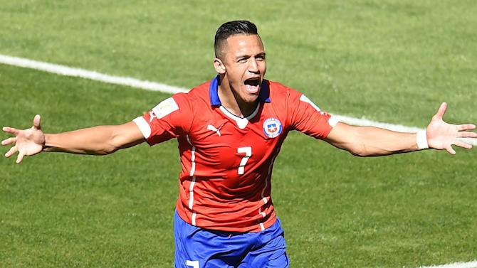 Premier League - Alexis 'refusing to even talk to Liverpool, prefers Juve move'
