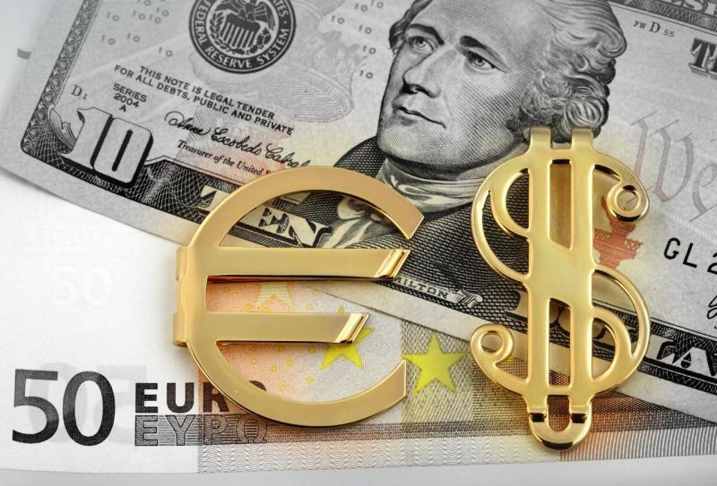 L'EUR/USD deciderà il futuro delle Borse: pericoli in vista?