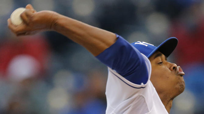 Royals hold on for 4-2 victory over Blue Jays