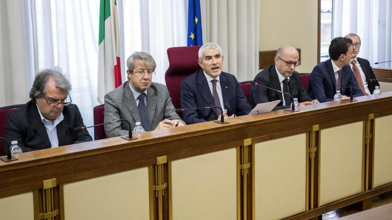 """La Consob accusa Bankitalia: """"Non segnalò i problemi delle banche venete"""""""