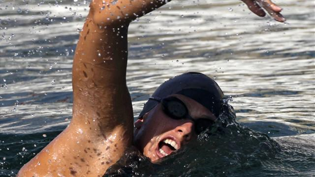 Swimming - Jellyfish sting ends record swim from Cuba to US