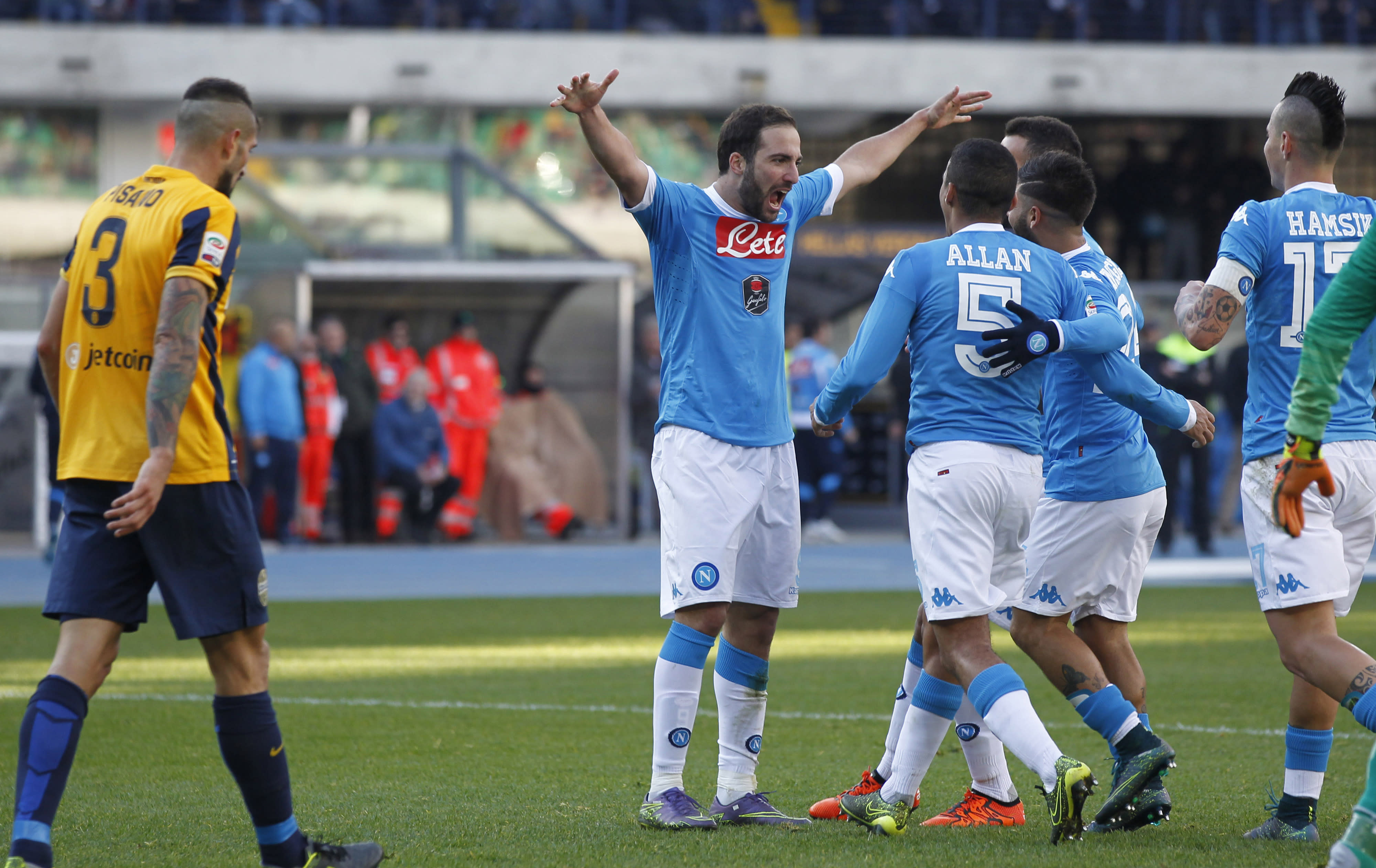 Napoli forward Higuain following in Maradona's footsteps