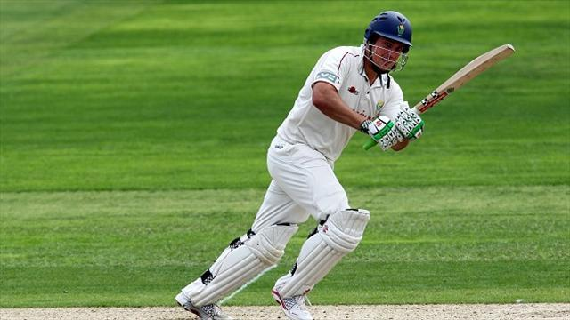 Cricket - Rees holds up Lancashire