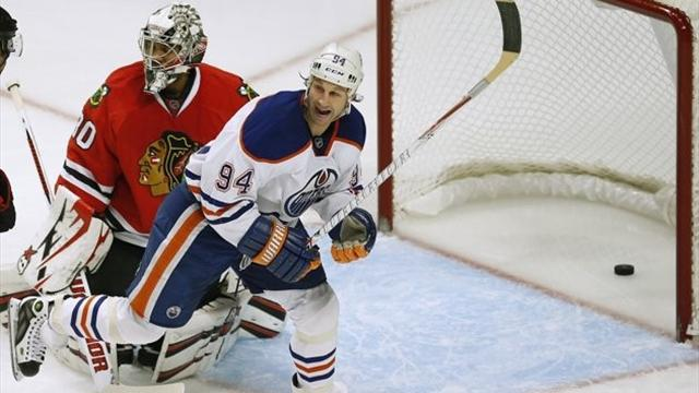 NHL - Oilers edge Blackhawks in thriller