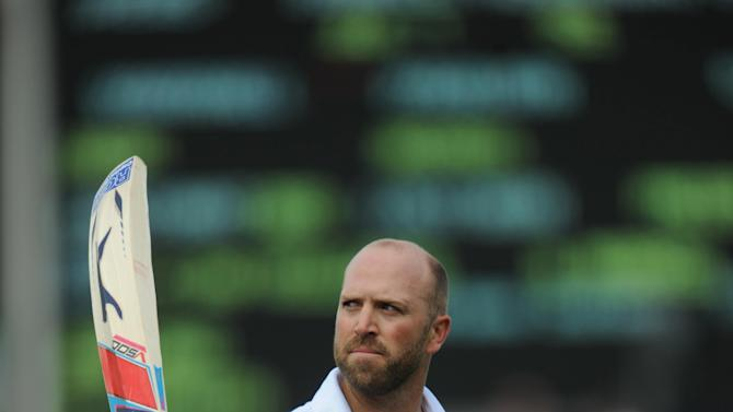 Matt Prior made 60 to help England to 385 all-out