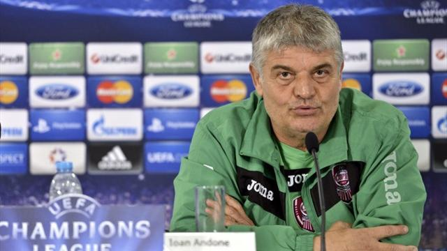 Champions League - CFR Cluj split with coach Andone