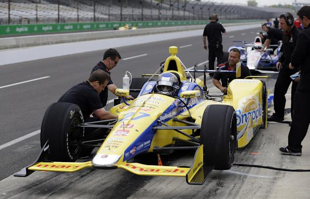 Montoya fastest on opening day of Indy tests