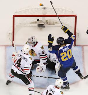 Blues beat Blackhawks 4-3 in 3 OTs