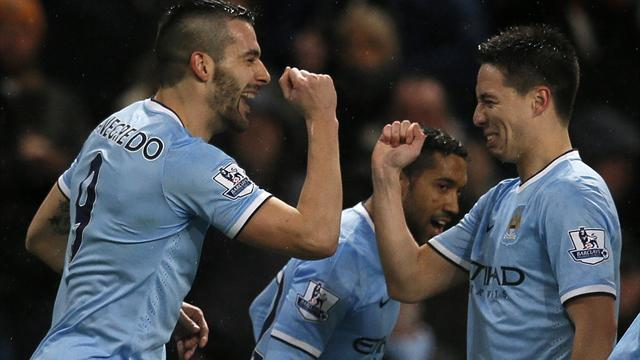 League Cup - Negredo fires treble as City hit West Ham for six