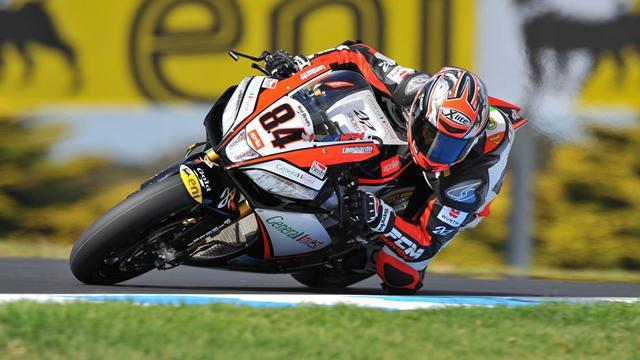 Superbike - Fabrizio domination continues