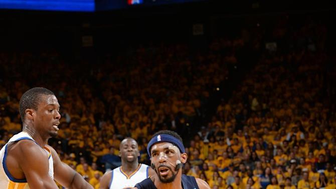 Conley comes back, leads Grizzlies past Warriors 97-90
