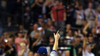 Blue Jays rally to beat White Sox 6-3